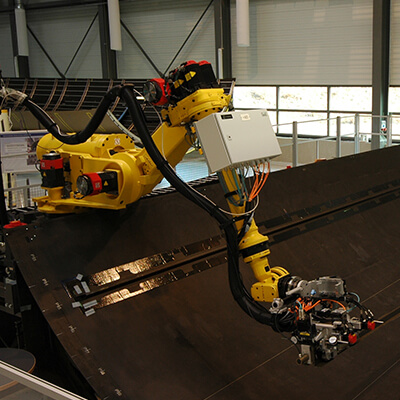 composities-manufacturing-robot
